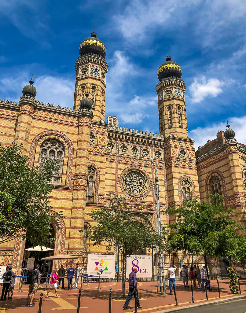 Front view Dohany Street Synagogue