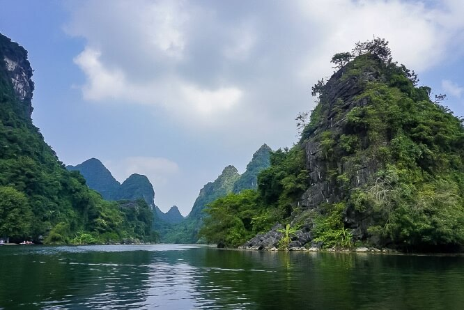 Trang An Boat Tour river and limestone rocks view