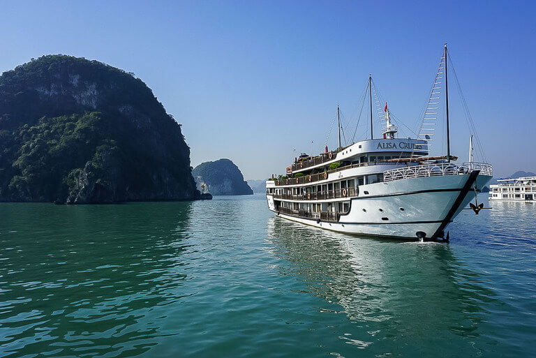budget cruise Halong Bay on turquoise waters