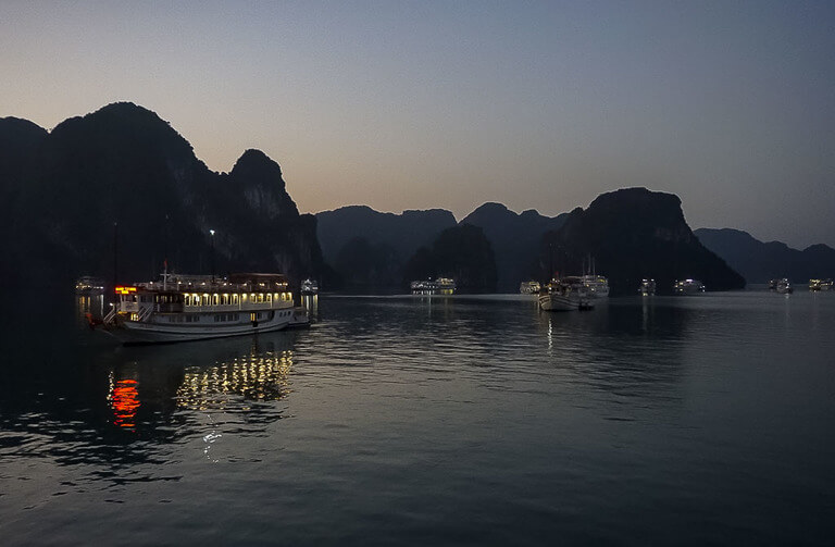 Halong Bay cheap cruise at dawn
