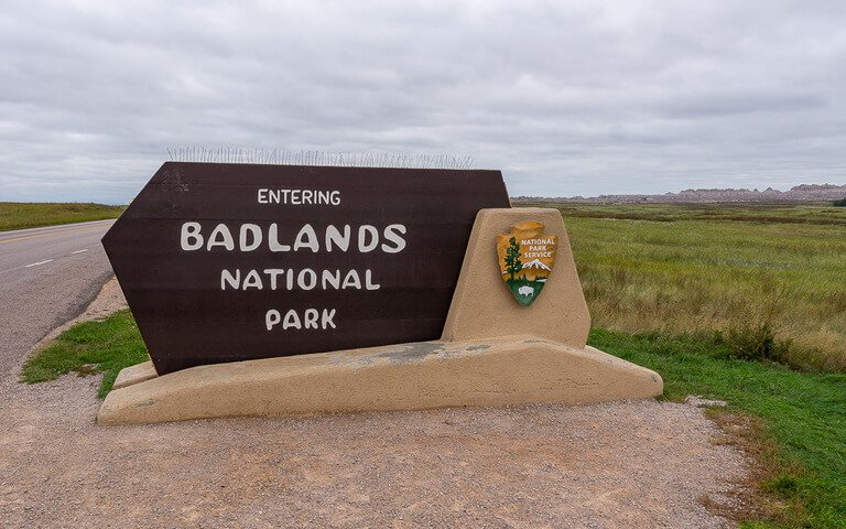Entering Badlands national park sign