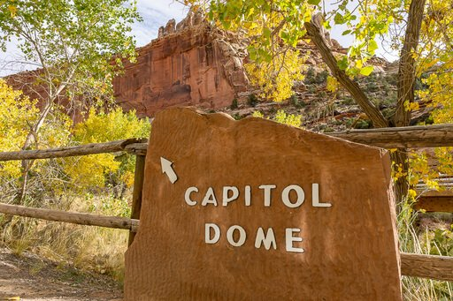 Capitol Dome signpost and viewpoint