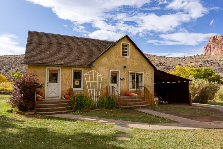Gifford House at Capitol Reef national park cute cottage style building