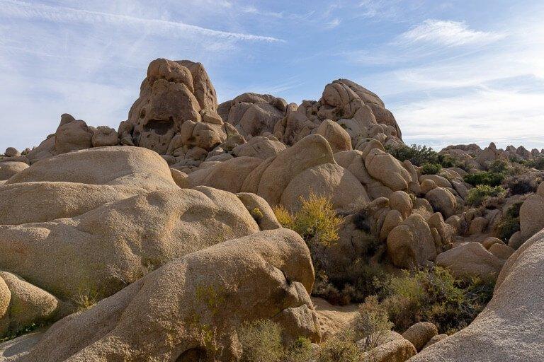 Jumbo Rocks California huge boulders