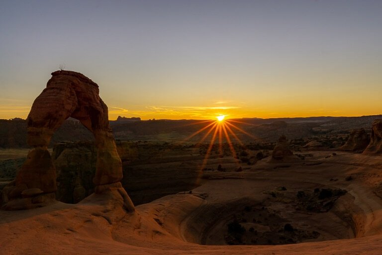Delicate arch sunset arches national park Utah Mighty 5 national parks usa
