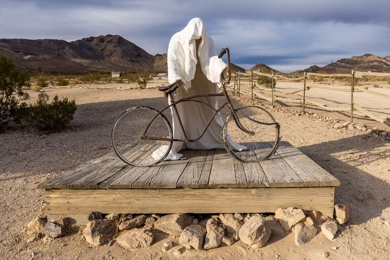 Creepy ghost statue in rhyolite ghost town Death Valley things to do in one day California national park