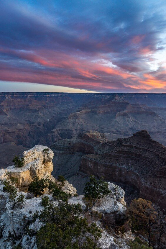 Sunrise at the Grand Canyon in Arizona, amazing pictures of america national parks