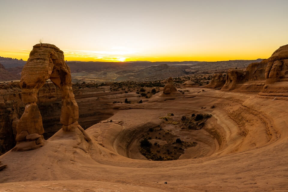 Sunset at delicate arch arches national park is one of the most beautiful photos in utah