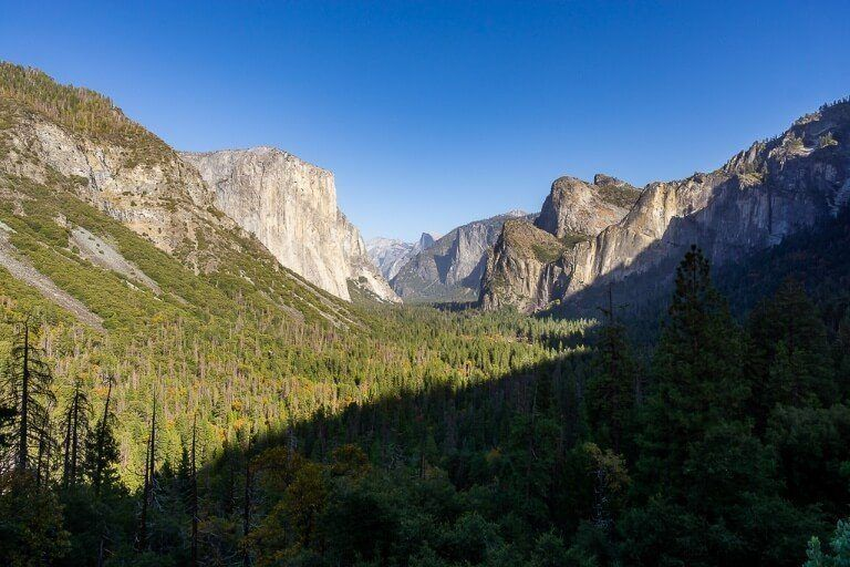 Stunning view of Yosemite Valley from Tunnel View epic photography location