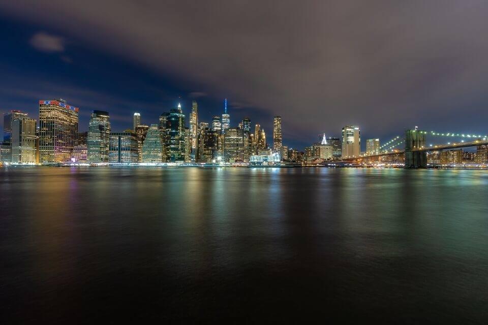 Manhattan skyline and brooklyn bridge from brooklyn bridge park photography new york city