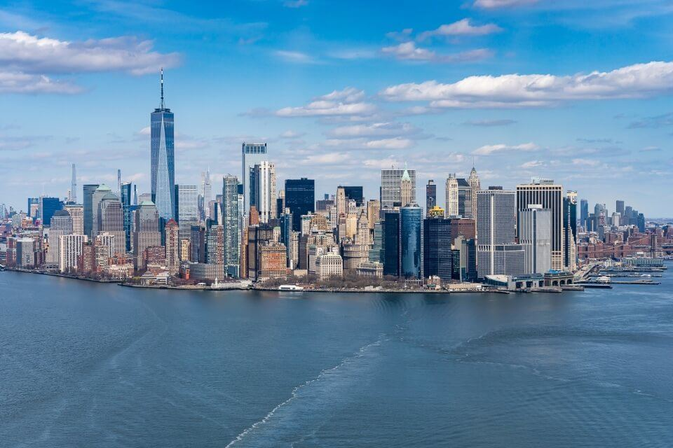 Best things to do in lower manhattan new york city skyline and one world trade observatory helicopter tour