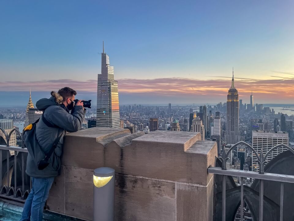 Small concrete flat walls at Top of the Rock can be used to place cameras down for long exposure photography but no tripods allowed