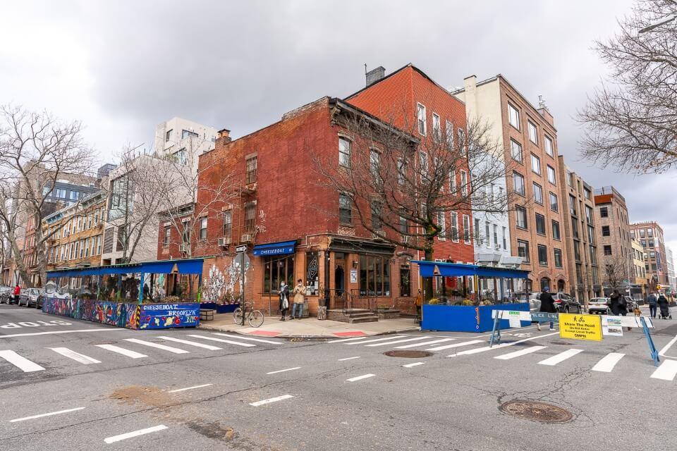 Bars and restaurants in Williamsburg Brooklyn
