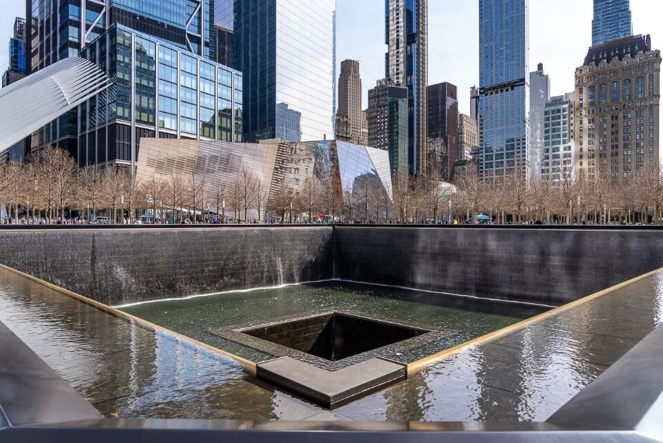 9/11 memorial grounds are extremely photogenic with huge square shaped pools