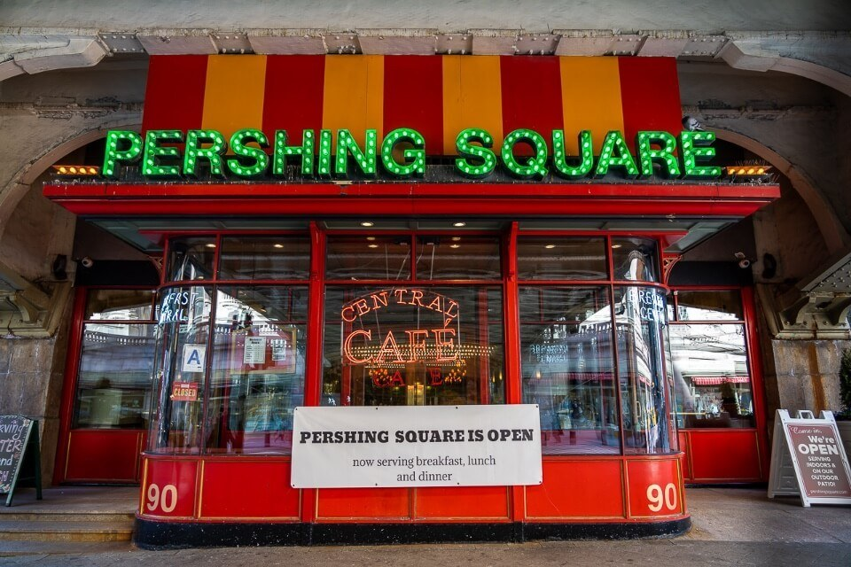 Pershing square cafe outside grand central station vibrant exterior and huge inside