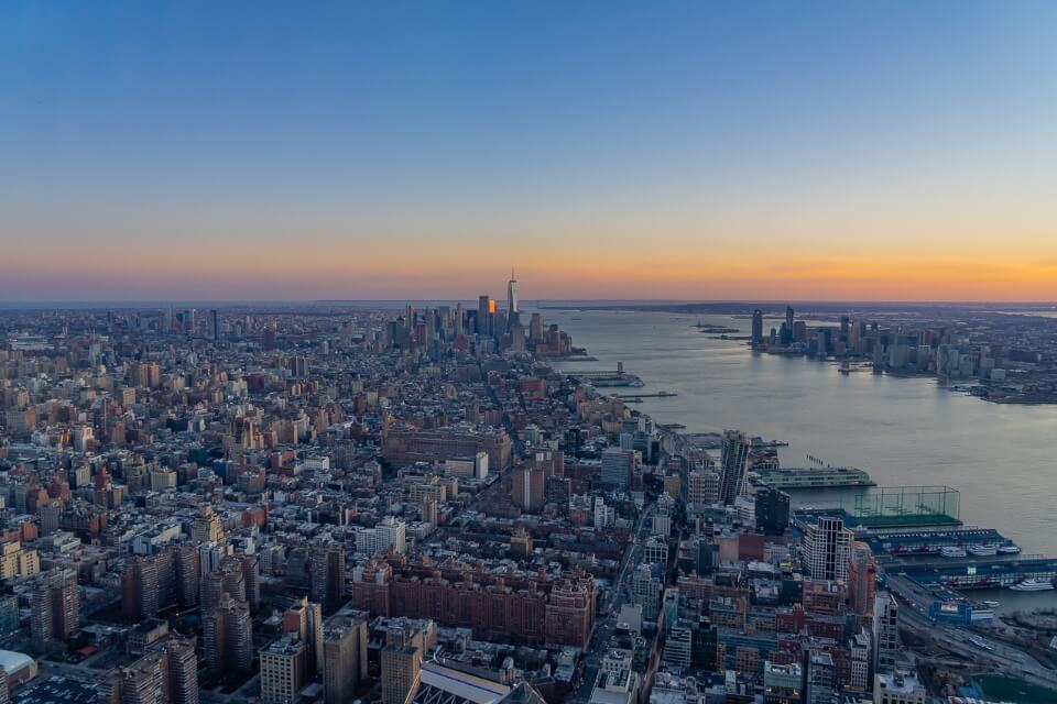 Special sunset photography location the Edge NYC over manhattan