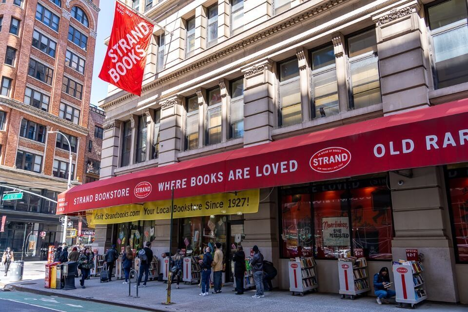Tourists lining up outside strand book store in manhattan