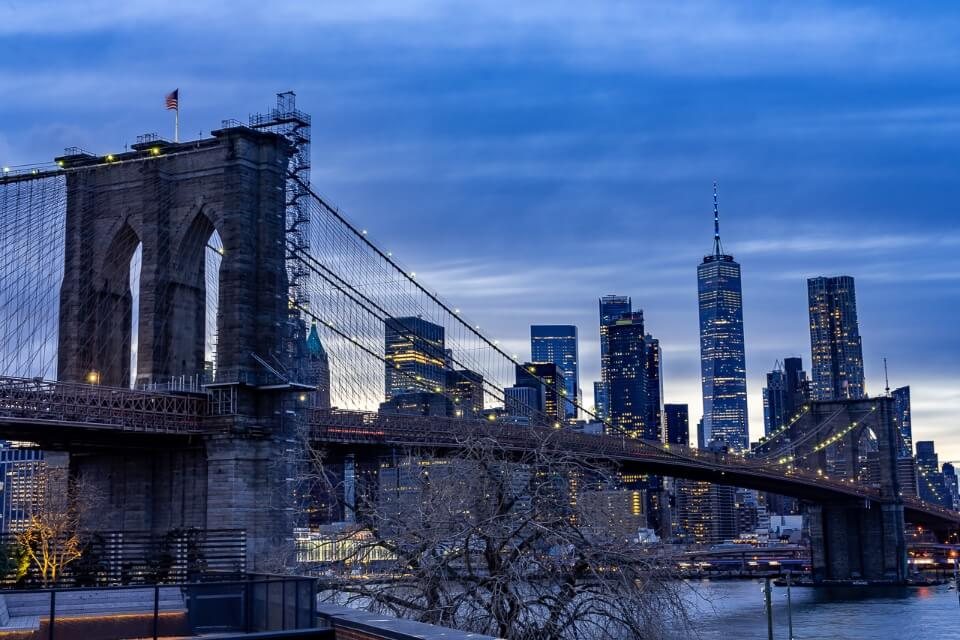 View over brooklyn bridge from time out market roof in brooklyn