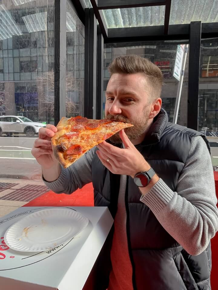 Where are those morgans eating pizza at joes pizza near times square new york city best things to do
