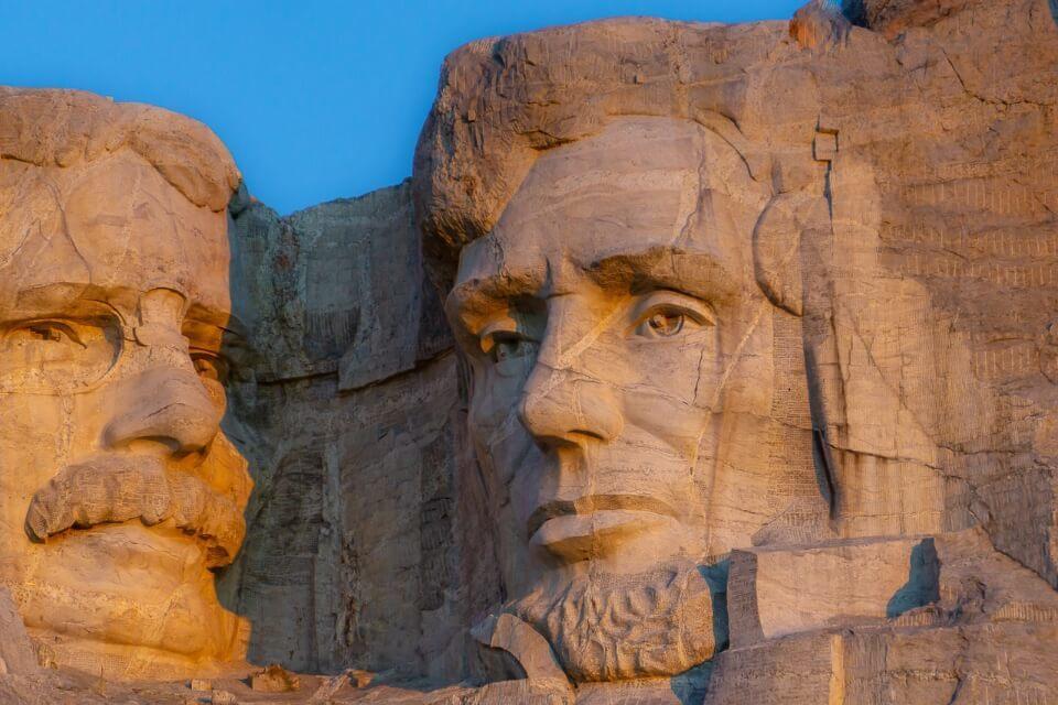 Lincoln presidential face carved into granite in south dakota