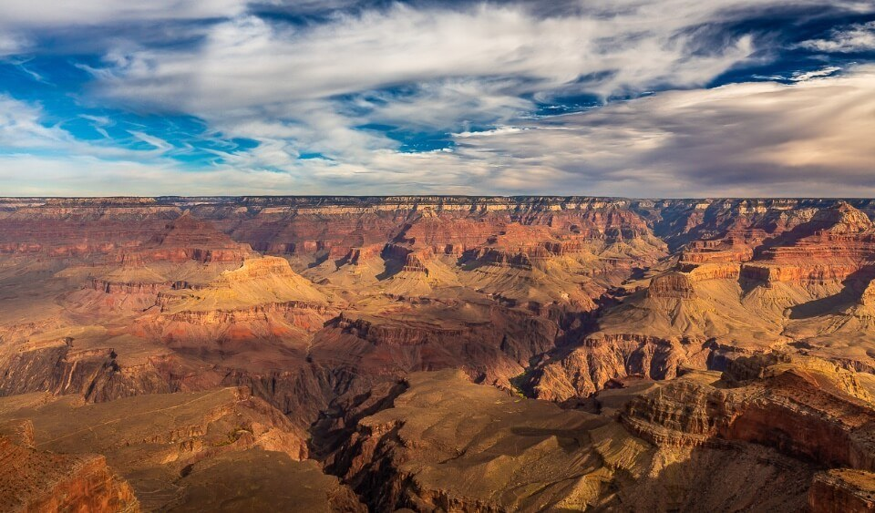 Late afternoon clouds over the amazing grand canyon where to stay nearby tusayan
